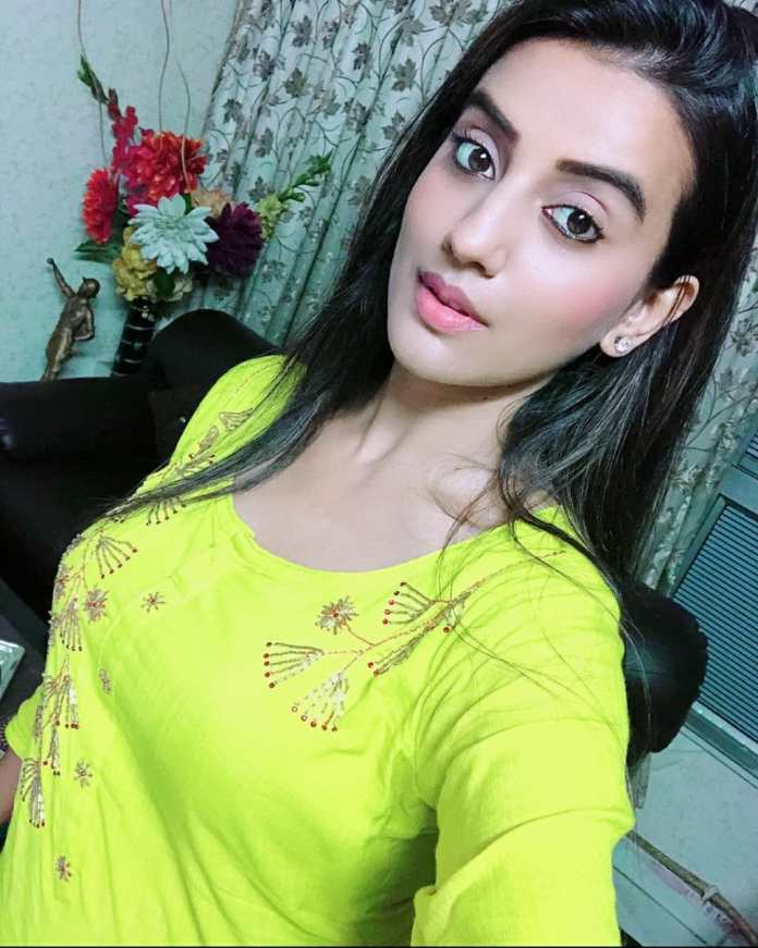 Akshara Singh Picture, Wallpaper, Photo, hot pics, and bold picture collections